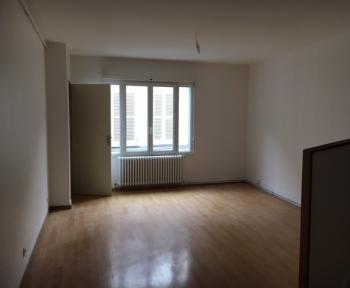 Location Appartement 2 pièces Cosne-Cours-sur-Loire (58200) - centre ville