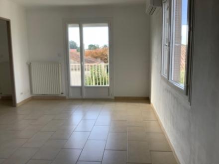 Location Appartement avec terrasse 3 pièces L'Isle-sur-la-Sorgue (84800) - et jardin