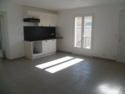 Location Appartement avec terrasse 3 pièces Robion (84440)