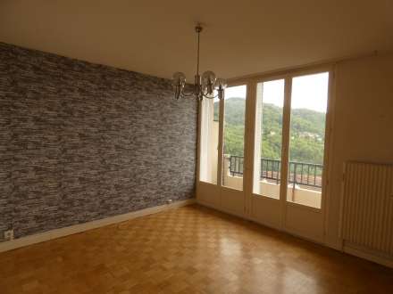 Location Appartement 4 pièces Thiers (63300) - RUE FRATERNITE A THIERS